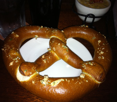 Rock Bottom Brewery's Ball Park Pretzels with Spicy Spinach Cheese Dip